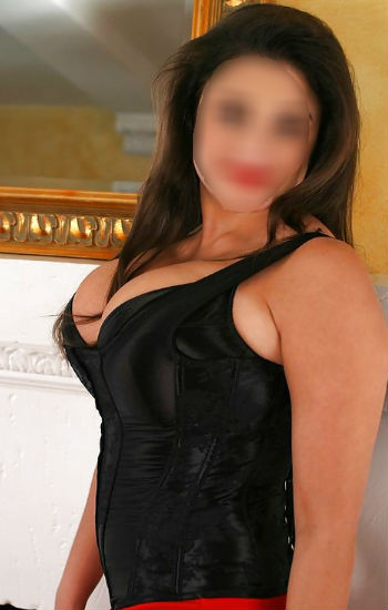 big boobs busty escort