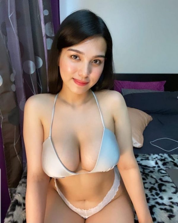 Greater Kailash Independent Housewife Escort