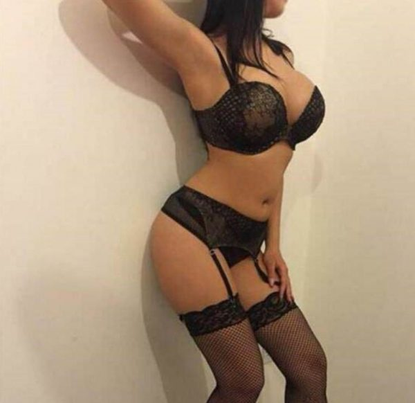 Lajpat Nagar Model Escorts Service